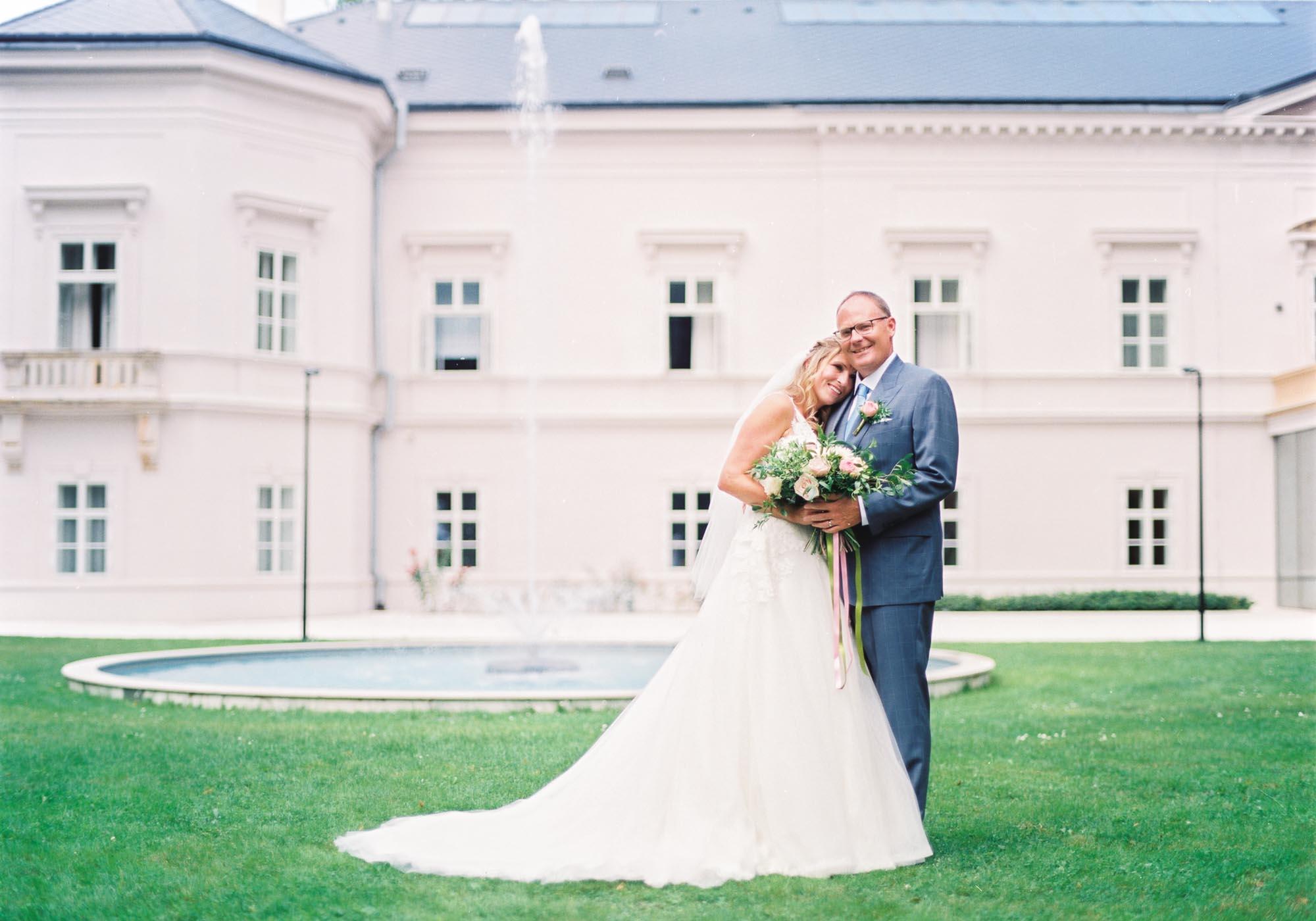 ratmerice chateau wedding