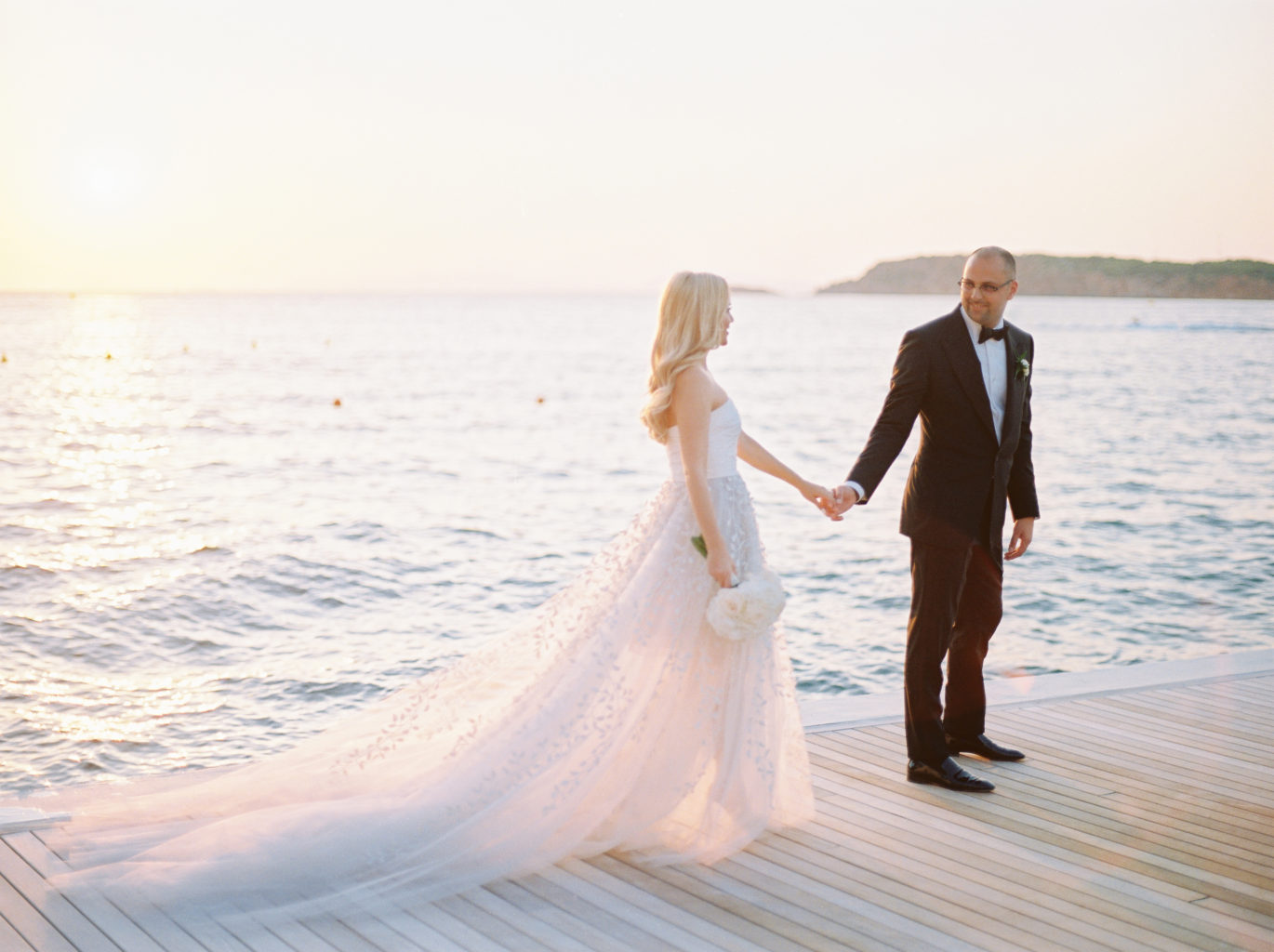 Destination wedding photography guide