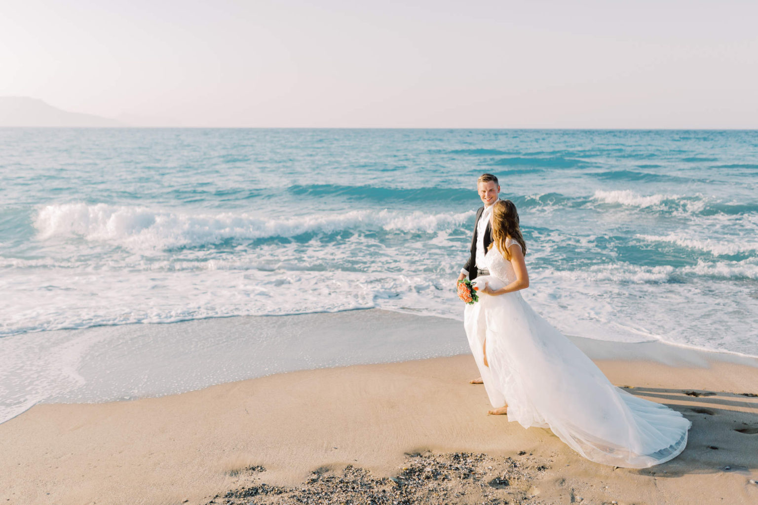 Guide to book the best destination wedding photograpehr